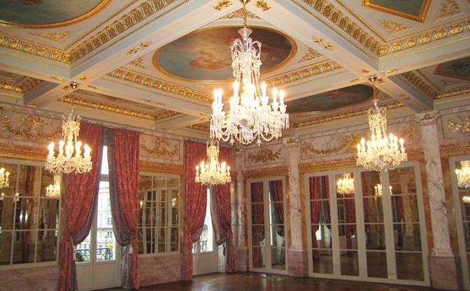 Restauration de peintures et décors peints Grand Hôtel Bordeaux